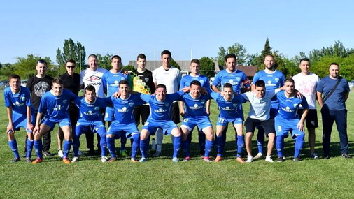 Tim FK Brodoremot iz Kladova / foto: facebook/fk brodoremont