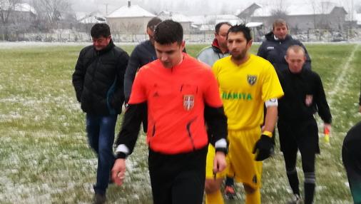 Glavni arbitar Popović iz Majdanpeka / foto: D.Popaz