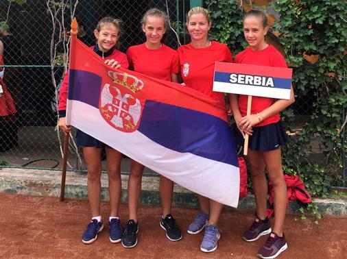 Ženska reprezentacija u tenisu uzrasta do 12 godina / foto: TSS